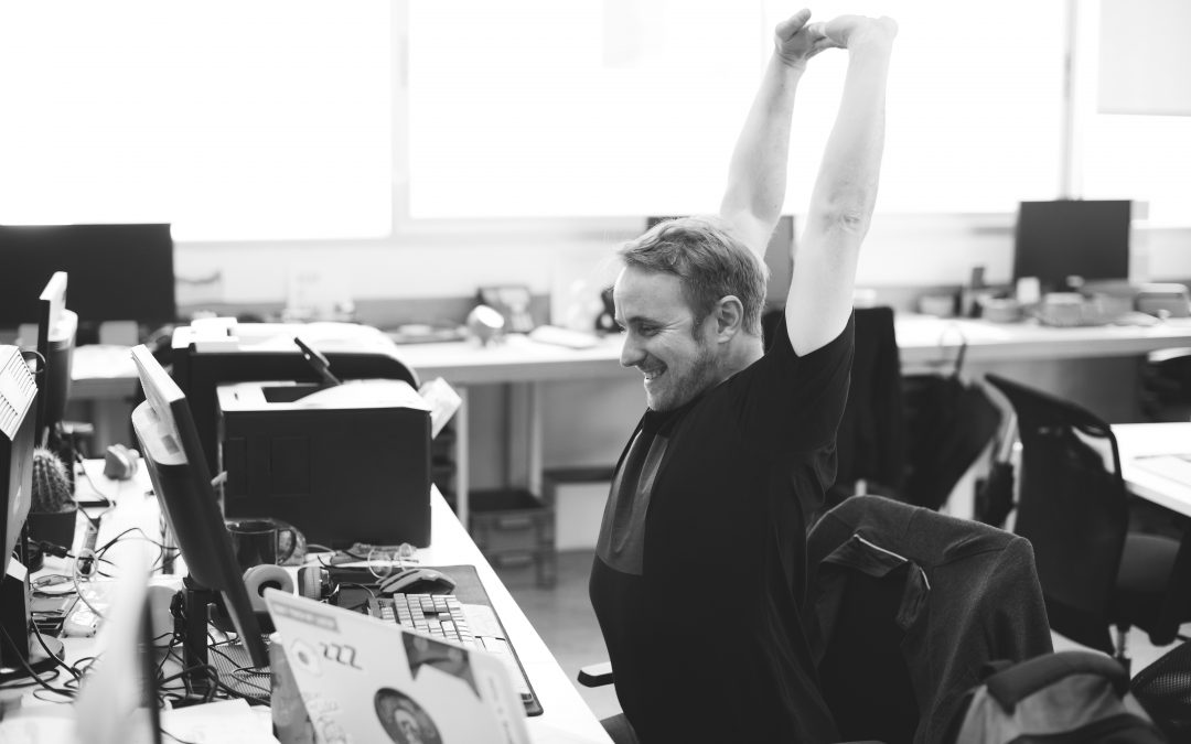 Combating 9-5 Muscles: Soreness from Your Desk Job and How to Fight It